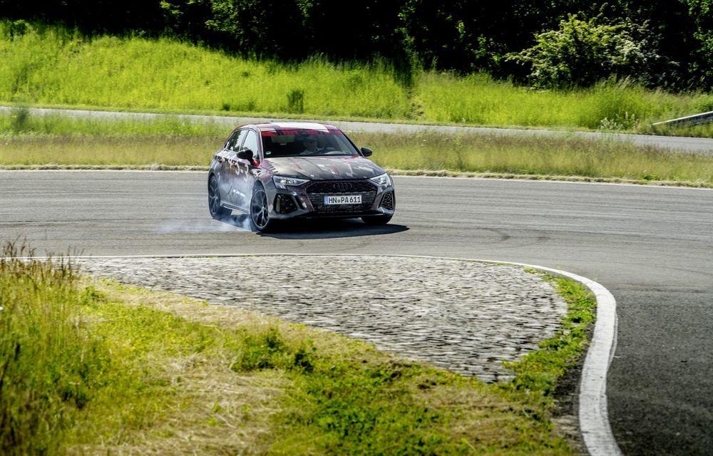 Primele imagini cu noul Audi RS3: motor de 400 de cai și o setare specială pentru drifturi - Poza 11