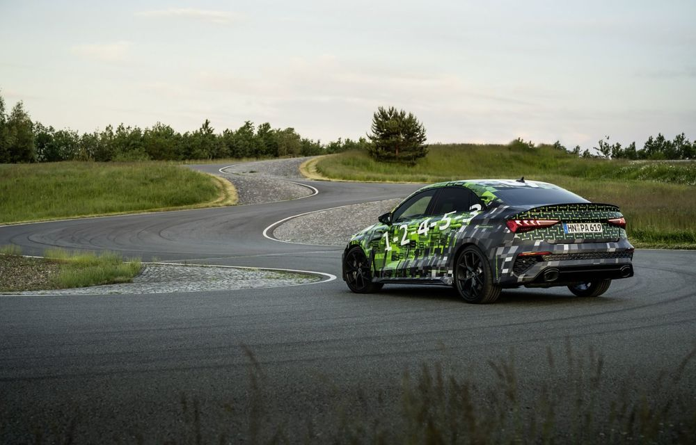Primele imagini cu noul Audi RS3: motor de 400 de cai și o setare specială pentru drifturi - Poza 16