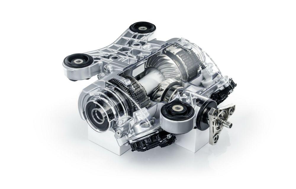Primele imagini cu noul Audi RS3: motor de 400 de cai și o setare specială pentru drifturi - Poza 31