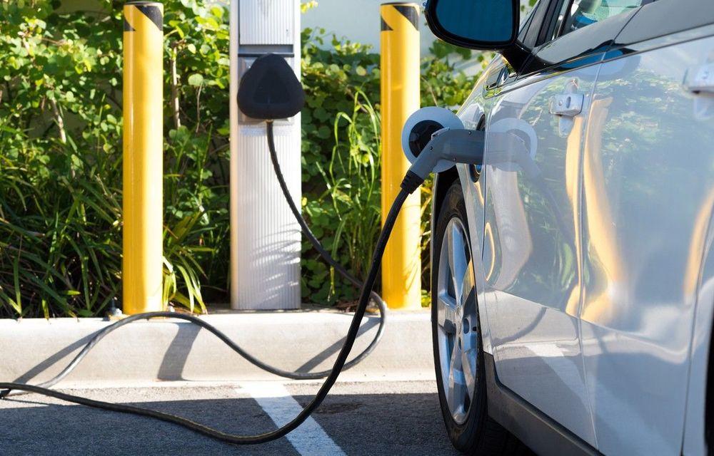 Studiu: Vânzările de electrice vor depăși vânzările de mașini diesel și pe benzină în 2033 - Poza 1