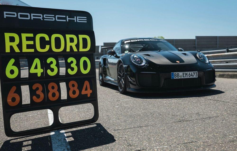Porsche 911 GT2 RS, modificat de Manthey Racing, a devenit cea mai rapidă mașină de stradă de pe Nurburgring - Poza 12