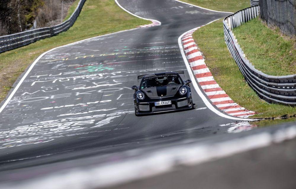 Porsche 911 GT2 RS, modificat de Manthey Racing, a devenit cea mai rapidă mașină de stradă de pe Nurburgring - Poza 4