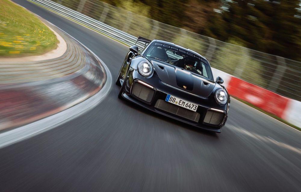 Porsche 911 GT2 RS, modificat de Manthey Racing, a devenit cea mai rapidă mașină de stradă de pe Nurburgring - Poza 6