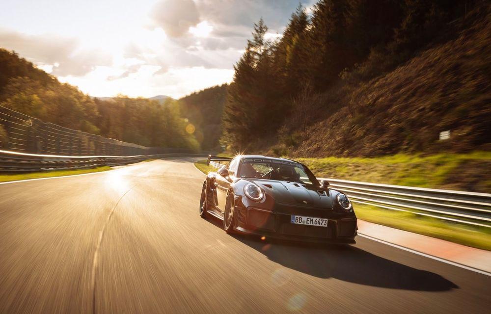 Porsche 911 GT2 RS, modificat de Manthey Racing, a devenit cea mai rapidă mașină de stradă de pe Nurburgring - Poza 7