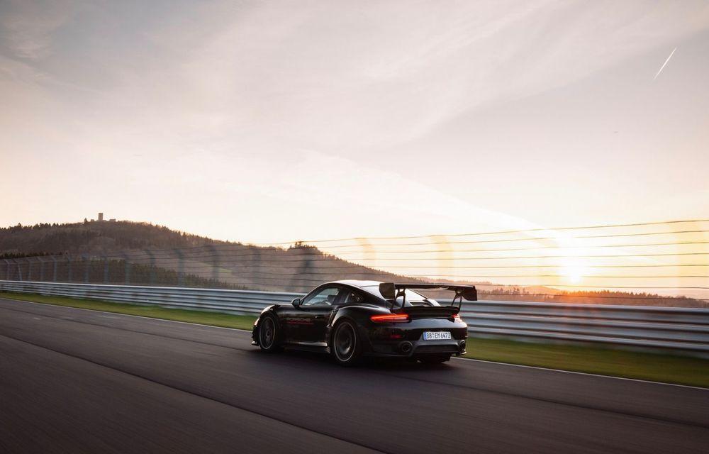 Porsche 911 GT2 RS, modificat de Manthey Racing, a devenit cea mai rapidă mașină de stradă de pe Nurburgring - Poza 8