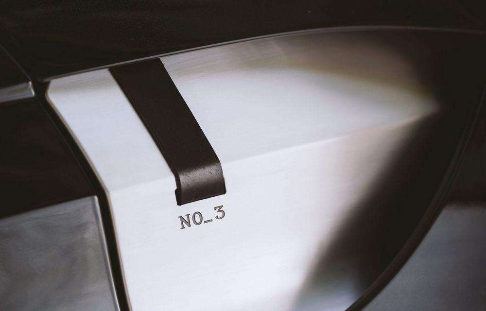 Ediția limitată A3 Vantage Roadster, dedicată celui mai vechi vehicul Aston Martin - Poza 12