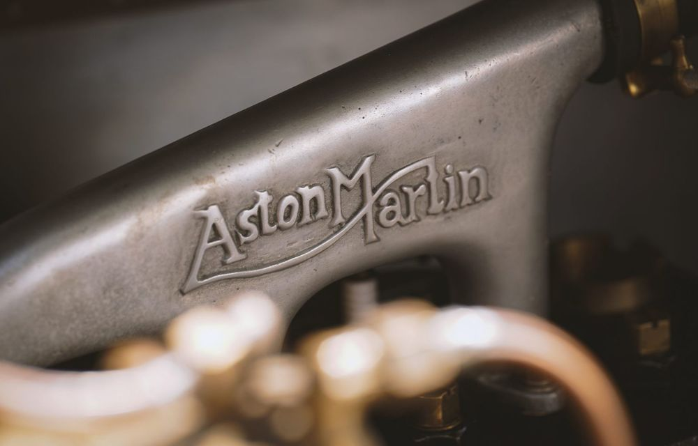 Ediția limitată A3 Vantage Roadster, dedicată celui mai vechi vehicul Aston Martin - Poza 16