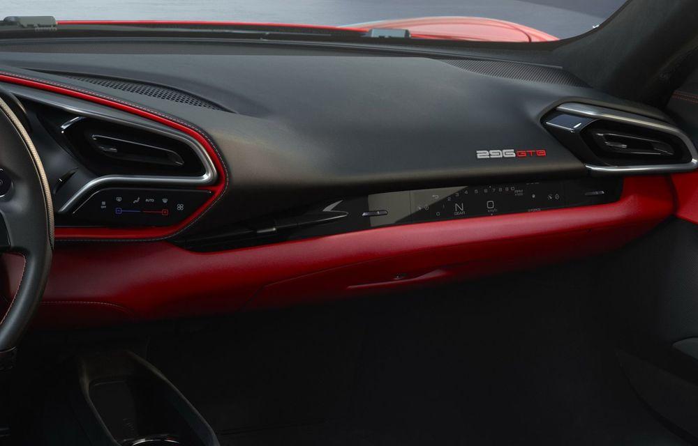 PREMIERĂ: Ferrari 296 GTB se lansează cu motor V6 plug-in hybrid, 830 CP și 25 de km autonomie electrică - Poza 12