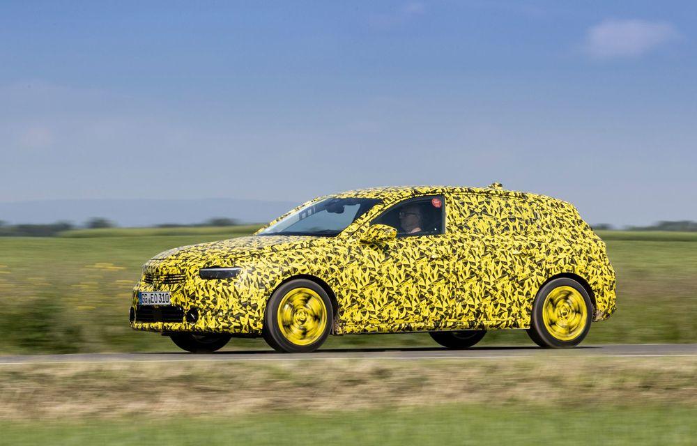 Opel dezvăluie primele imagini sub camuflaj cu noua generație Astra - Poza 5
