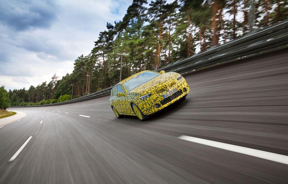 Opel dezvăluie primele imagini sub camuflaj cu noua generație Astra - Poza 2
