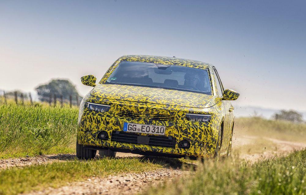 Opel dezvăluie primele imagini sub camuflaj cu noua generație Astra - Poza 4