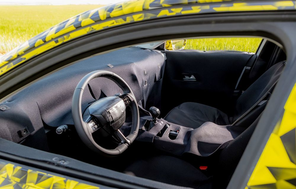 Opel dezvăluie primele imagini sub camuflaj cu noua generație Astra - Poza 8