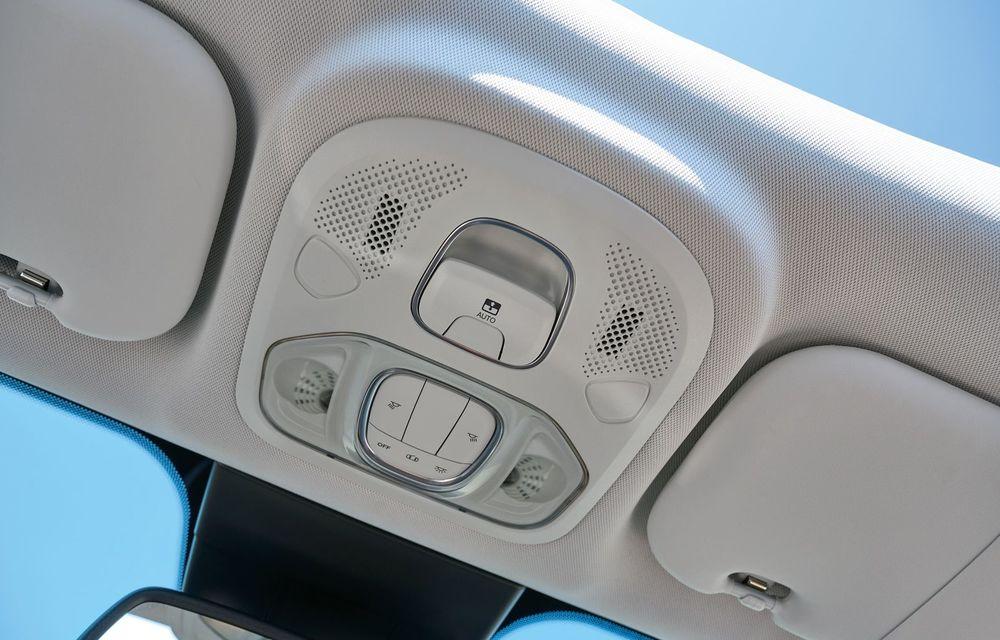 Fiat 500X Yachting: plafon soft-top retractabil și ornamente inspirate din lumea ambarcațiunilor - Poza 27