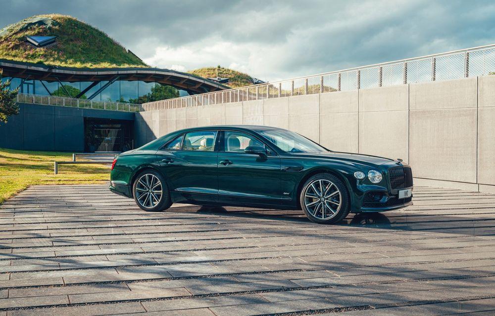 Bentley Flying Spur Hybrid debutează cu 544 CP și 40 de kilometri autonomie electrică - Poza 1