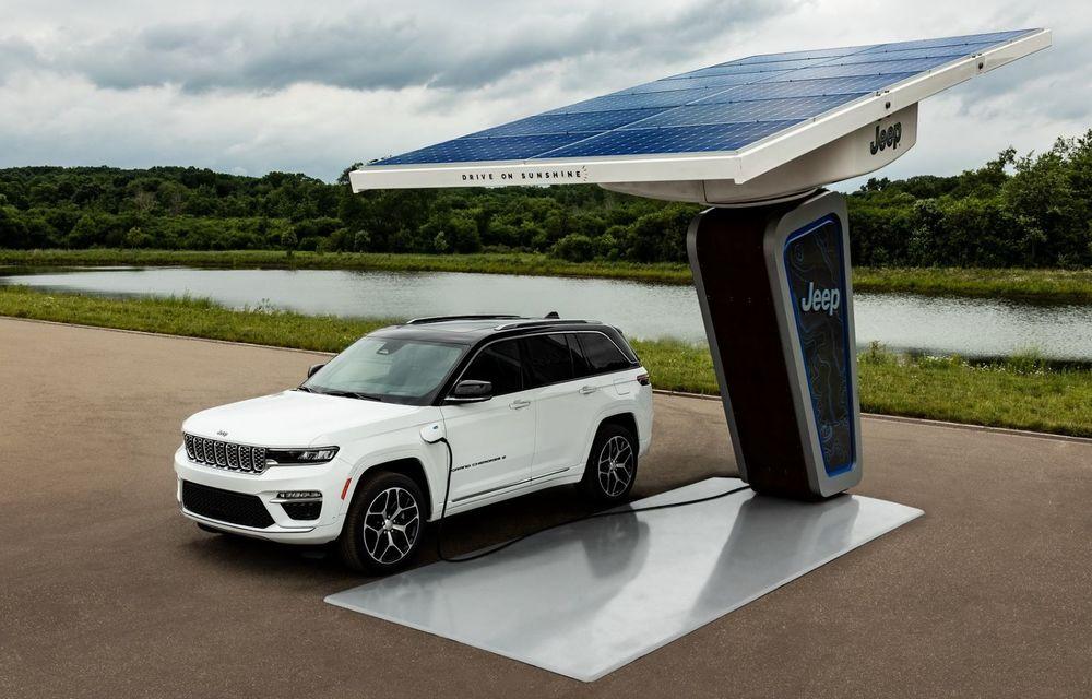 Primele imagini cu viitorul Jeep Grand Cherokee plug-in hybrid. Debutează în luna august - Poza 1