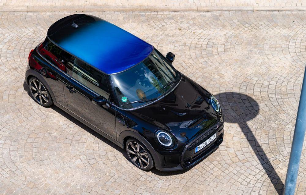 Mini Hatch și Clubman primesc plafonul Multitone, cu design în trei culori - Poza 15