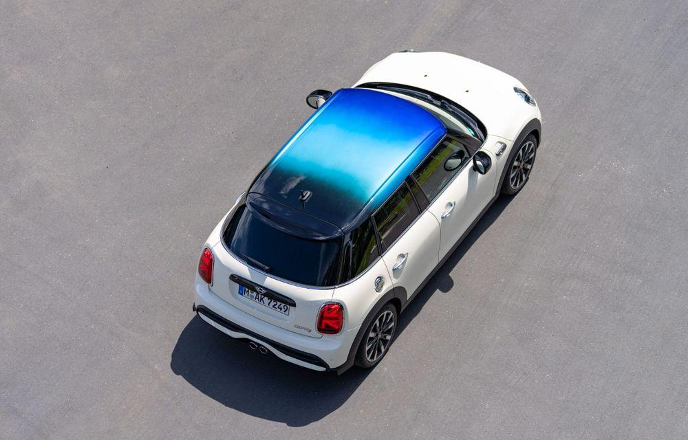 Mini Hatch și Clubman primesc plafonul Multitone, cu design în trei culori - Poza 6