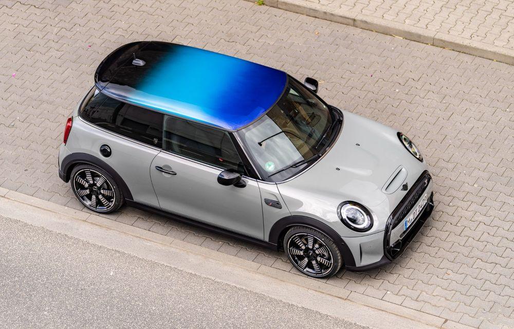 Mini Hatch și Clubman primesc plafonul Multitone, cu design în trei culori - Poza 10