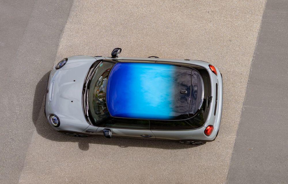 Mini Hatch și Clubman primesc plafonul Multitone, cu design în trei culori - Poza 12