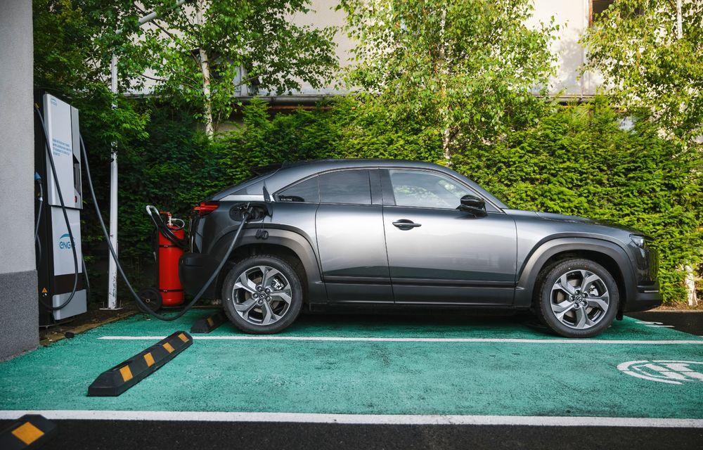 Un prânz gourmet, alimentat cu energie ENGIE: am testat autonomia lui Mazda MX-30 până la Valea Doftanei - Poza 7