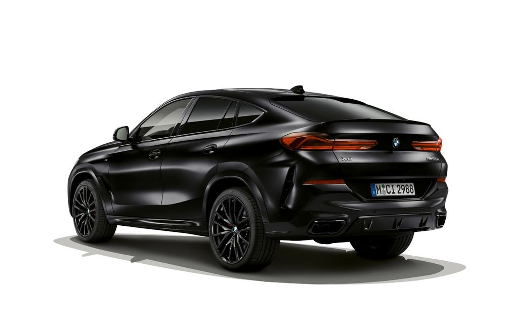 Ediții speciale pentru BMW X5, X6 și X7: vopsea exterioară neagră și accente roșii pentru grila frontală - Poza 9