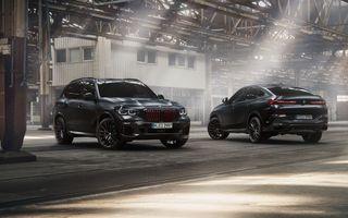 Ediții speciale pentru BMW X5, X6 și X7: vopsea exterioară neagră și accente roșii pentru grila frontală