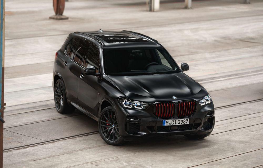 Ediții speciale pentru BMW X5, X6 și X7: vopsea exterioară neagră și accente roșii pentru grila frontală - Poza 14