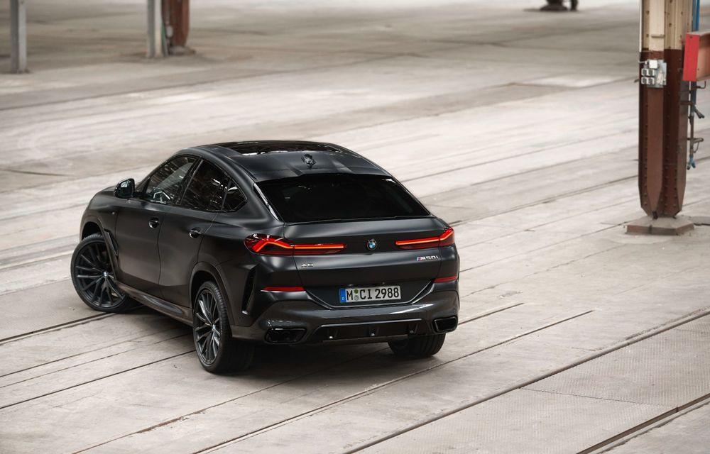 Ediții speciale pentru BMW X5, X6 și X7: vopsea exterioară neagră și accente roșii pentru grila frontală - Poza 15