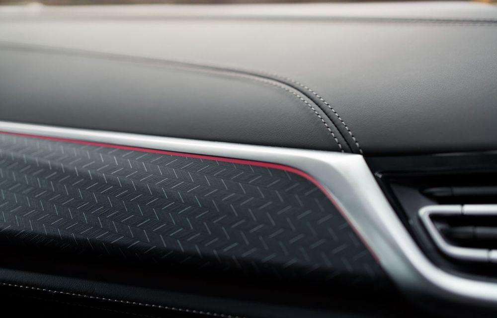 Ediții speciale pentru BMW X5, X6 și X7: vopsea exterioară neagră și accente roșii pentru grila frontală - Poza 24