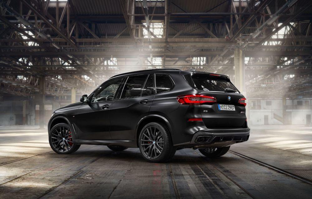Ediții speciale pentru BMW X5, X6 și X7: vopsea exterioară neagră și accente roșii pentru grila frontală - Poza 17