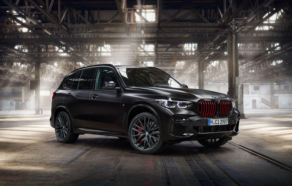 Ediții speciale pentru BMW X5, X6 și X7: vopsea exterioară neagră și accente roșii pentru grila frontală - Poza 18
