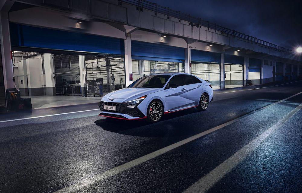 OFICIAL: Hyundai Elantra N debutează cu 280 de cai putere și transmisie manuală - Poza 2
