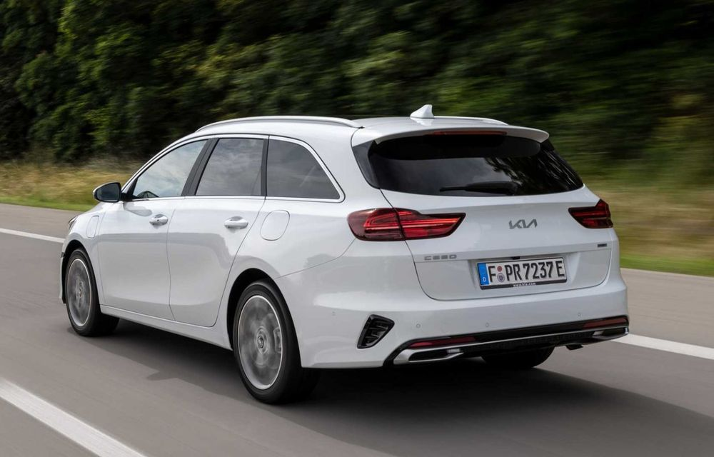Kia Ceed facelift: grilă frontală revizuită, faruri restilizate și motor nou de 1.5 litri - Poza 7