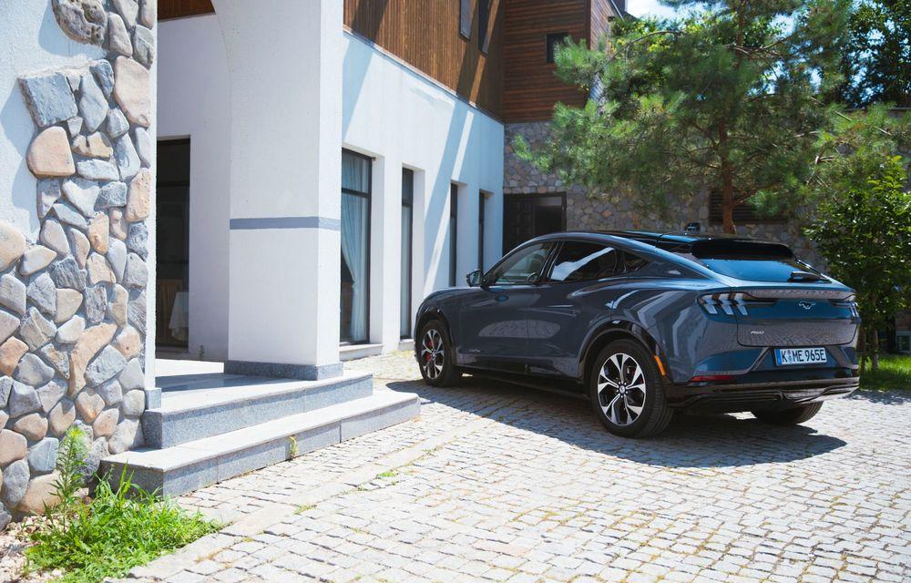 8 lucruri pe care trebuie să le știi despre noul Ford Mustang Mach-E: am fost primii jurnaliști care au condus mașina în România - Poza 8