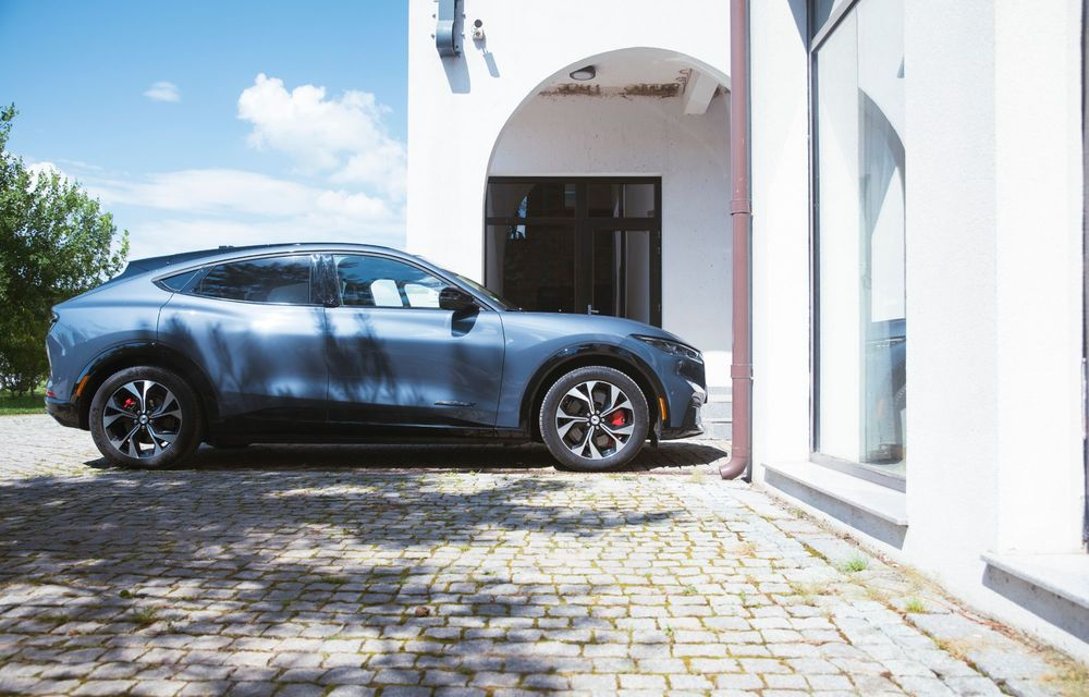 8 lucruri pe care trebuie să le știi despre noul Ford Mustang Mach-E: am fost primii jurnaliști care au condus mașina în România - Poza 3