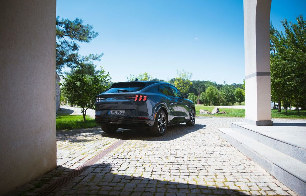 8 lucruri pe care trebuie să le știi despre noul Ford Mustang Mach-E: am fost primii jurnaliști care au condus mașina în România - Poza 7