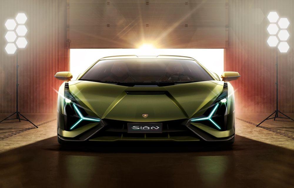 Lamborghini va lansa un nou model echipat cu propulsor V12 hibrid - Poza 1