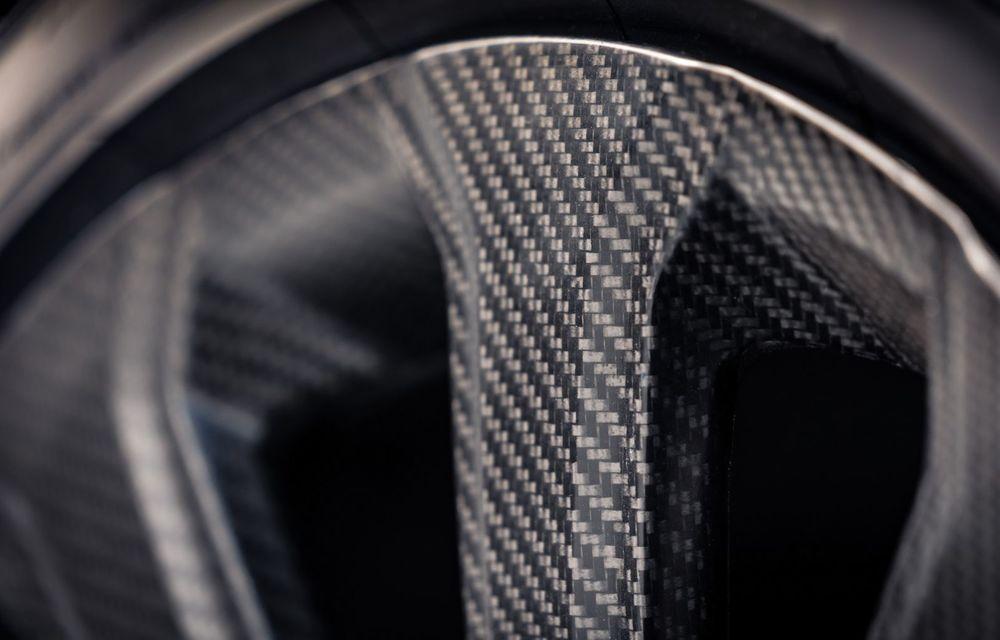 Bentley Bentayga primește cele mai mari jante din fibră de carbon montate vreodată pe o mașină de serie - Poza 4