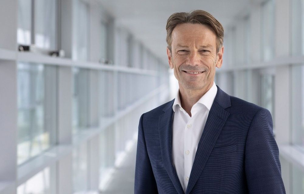 Opel va avea un nou CEO: Uwe Hochgeschurtz este actualul șef Renault Germania - Poza 1