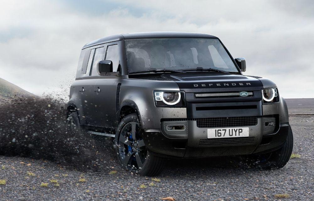 Land Rover Defender ar putea primi o versiune SVR cu peste 600 de cai putere - Poza 1