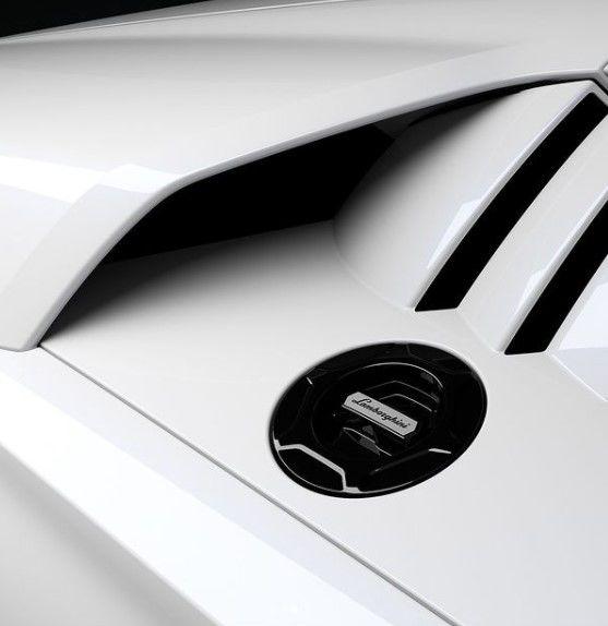 Lamborghini dezvăluie noi imagini teaser cu viitorul Countach - Poza 3