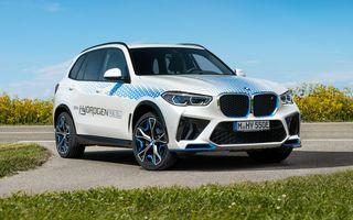 OFICIAL: BMW iX5 Hydrogen este versiunea pe hidrogen a lui X5; plinul se face în 3-4 minute