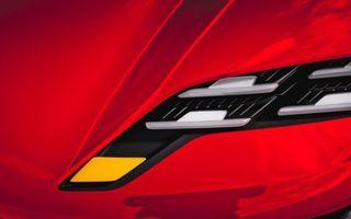 Porsche dezvăluie un teaser pentru un nou concept electric