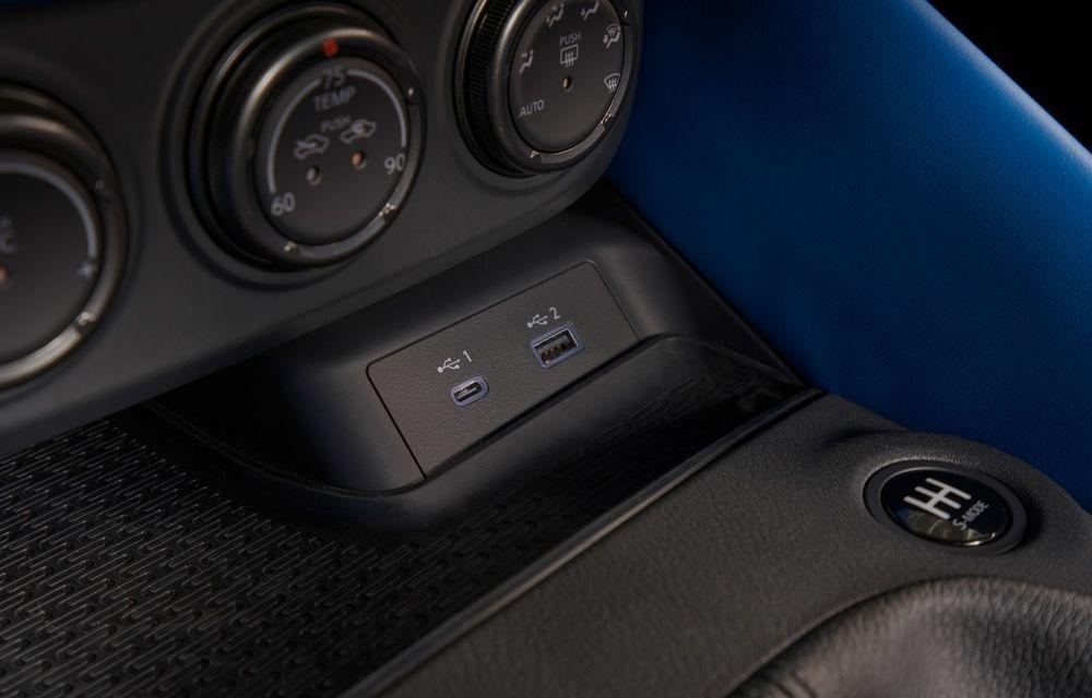Urmașul lui Nissan 370Z este aici: se numește Nissan Z și vine tot cu motor V6 - Poza 23