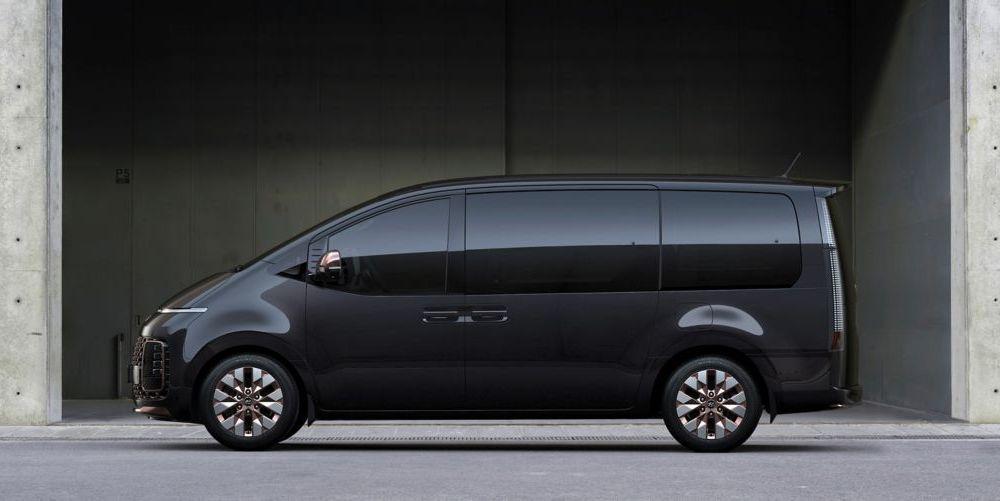 Hyundai Staria este un monovolum de lux cu 11 locuri, care costă 56.000 de euro - Poza 4