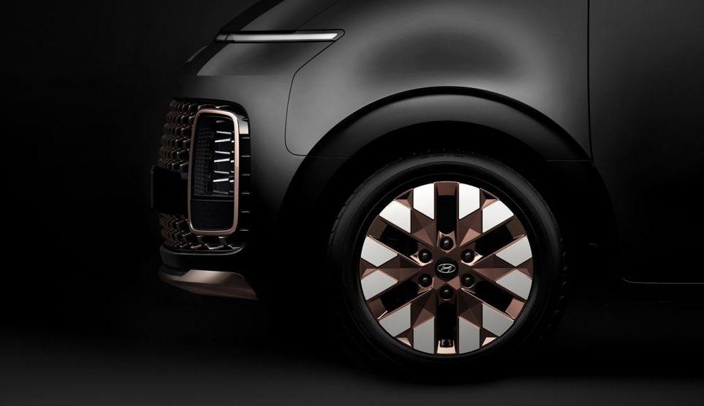Hyundai Staria este un monovolum de lux cu 11 locuri, care costă 56.000 de euro - Poza 7