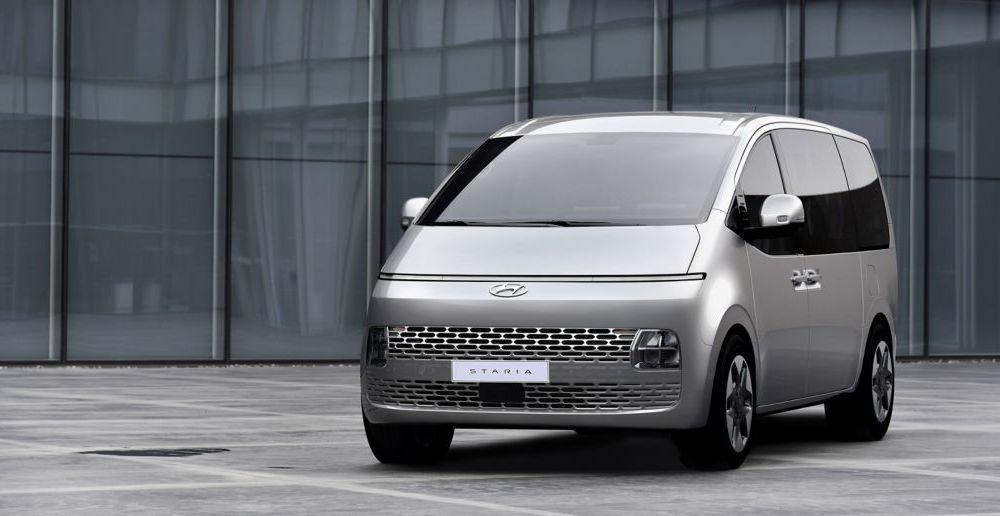 Hyundai Staria este un monovolum de lux cu 11 locuri, care costă 56.000 de euro - Poza 8