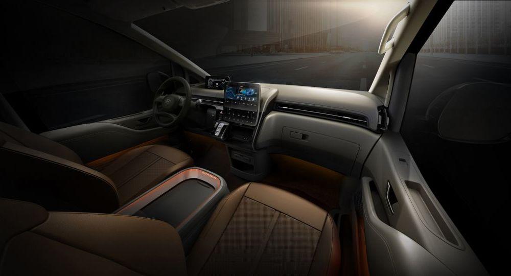 Hyundai Staria este un monovolum de lux cu 11 locuri, care costă 56.000 de euro - Poza 10