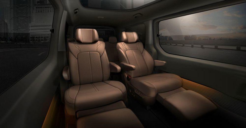 Hyundai Staria este un monovolum de lux cu 11 locuri, care costă 56.000 de euro - Poza 11