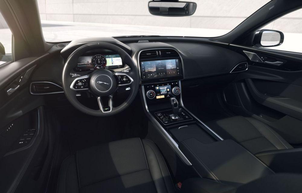 Jaguar XE și XF R-Dynamic Black: 204 CP și o serie de elemente vopsite în negru - Poza 20